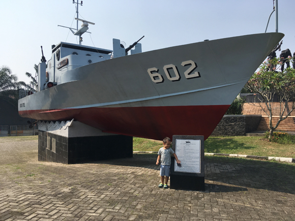 kapal-perang