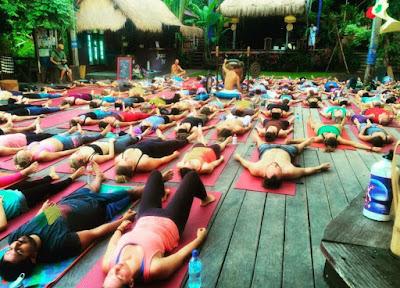Kanapa Ubud Banyak ada Bule Yoga? Ini jawabannya