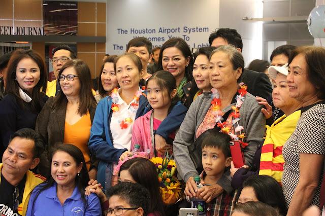 """Blogger Mẹ Nấm đã đặt chân đến Hoa Kỳ, khẳng định """"không bao giờ lặng thinh"""""""