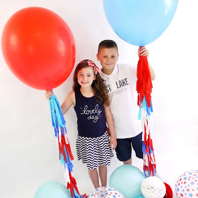 DIY 4th of July Photo Booth Balloon Party Idea