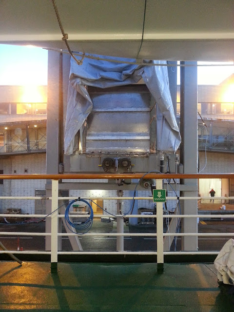 Hurtigruten MS Lofoten - Gangway