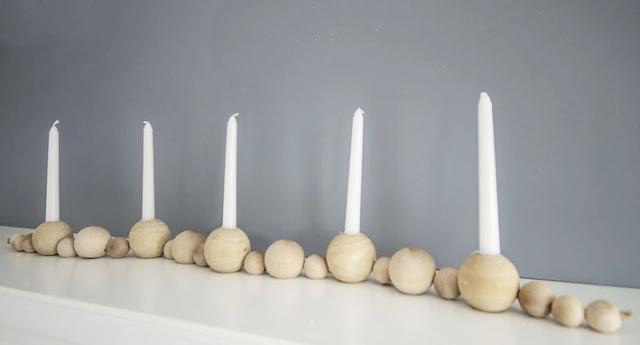 Kerzenständer aus Holzkugeln zum Selbermachen – der Dekoration-Tipp zur Advent- und Weihnachtszeit