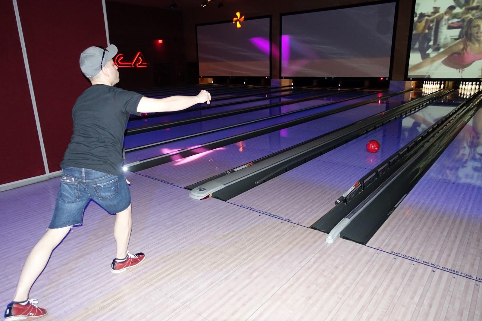 vegas gay bowling