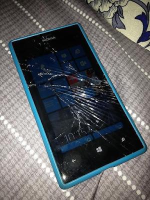 Thay mat kinh dien thoai Nokia Lumia 925