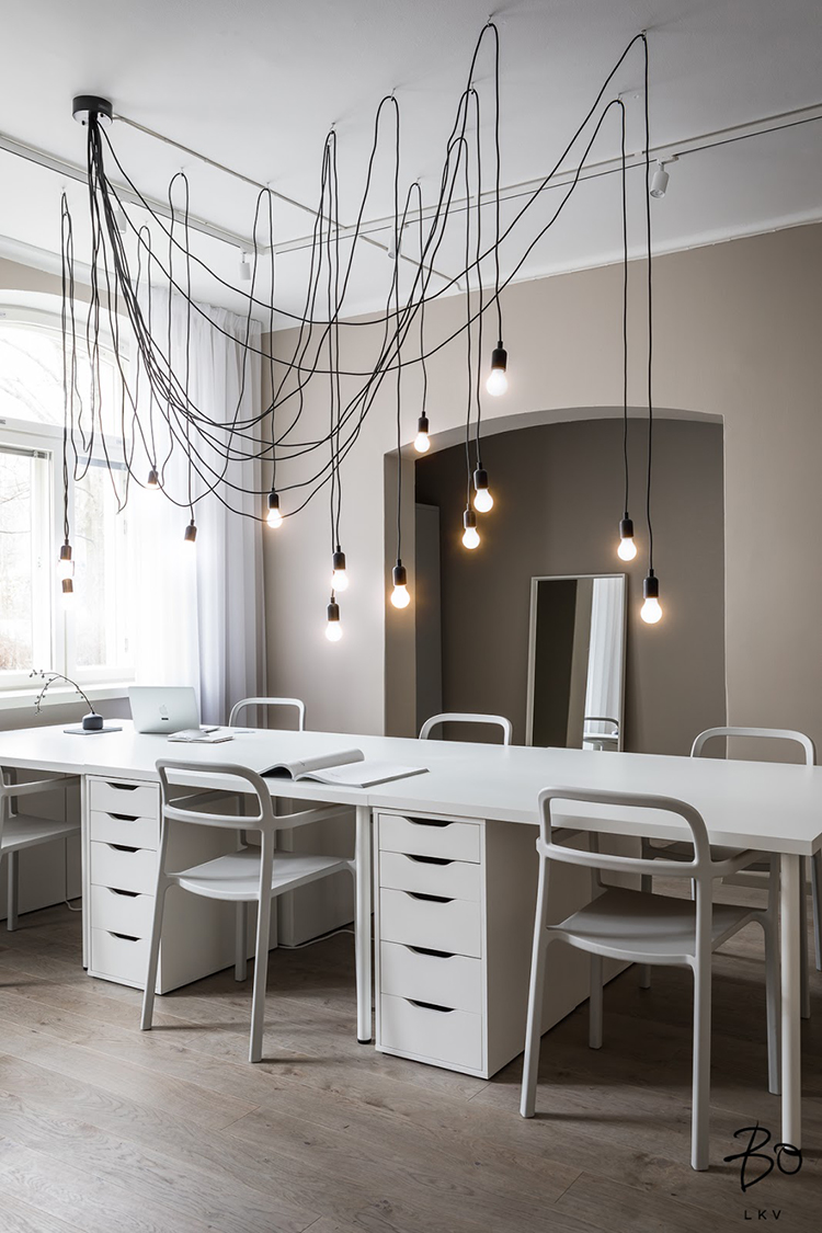 Contemporary office design with impressive lighting | My ...