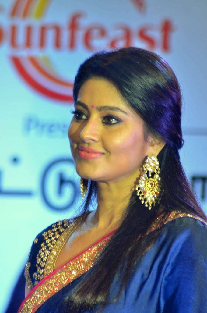 Sneha Prasanna In Blue Saree At Sunfeast Biscuits Launch