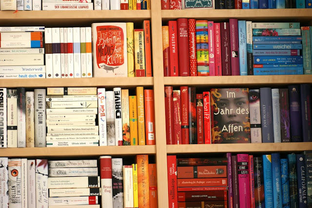 Bücherregal www.nanawhatelse.at