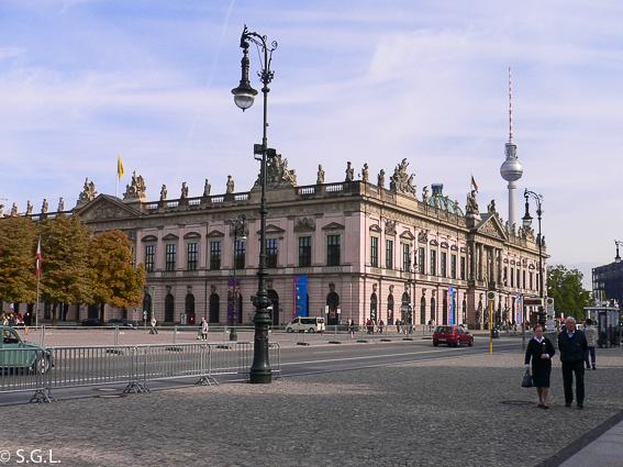 Museo historico aleman en Unter del Linden. Berlin en 4 dias