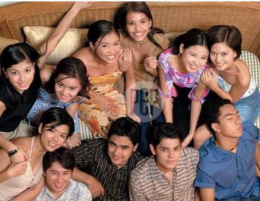 THROWBACK: Angel Locsin With Her Star Circle Batch 9 Family!