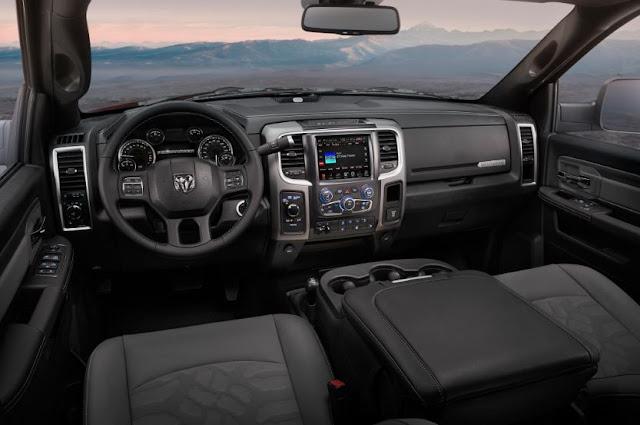 2016 RAM 2500 Power Wagon Crew Cab 4×4 Interior
