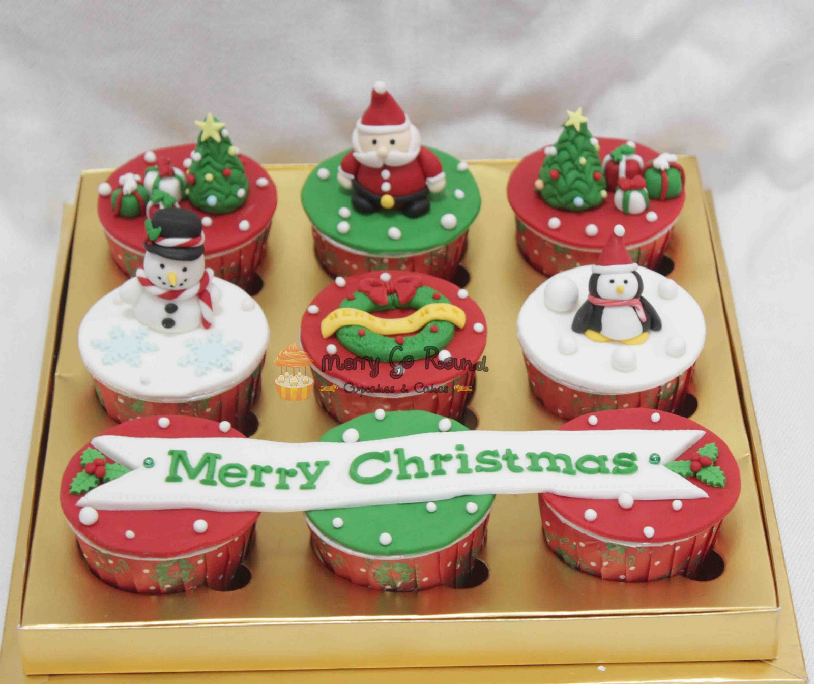 Merry Go Round Cupcakes Amp Cakes Christmas Cupcakes And
