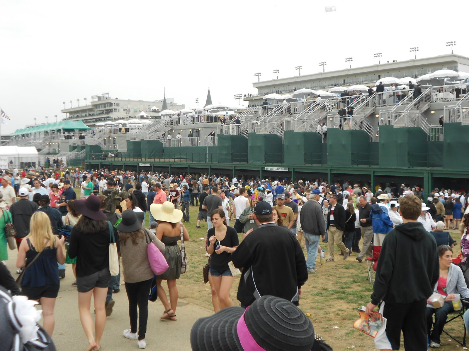 About Arlington Park Racetrack Store A thoroughbred horse racing track. Features include online simulcasting, programs and past performances, results, workouts, real .
