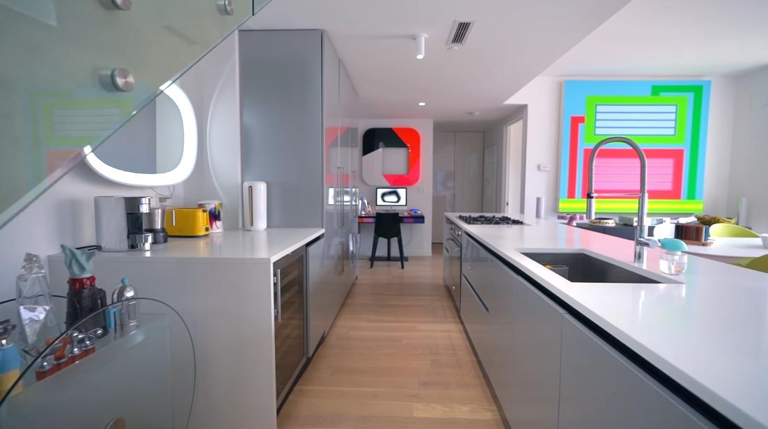 27 Interior Design Photos vs. Karim Rashid's NYC Luxury Penthouse Tour