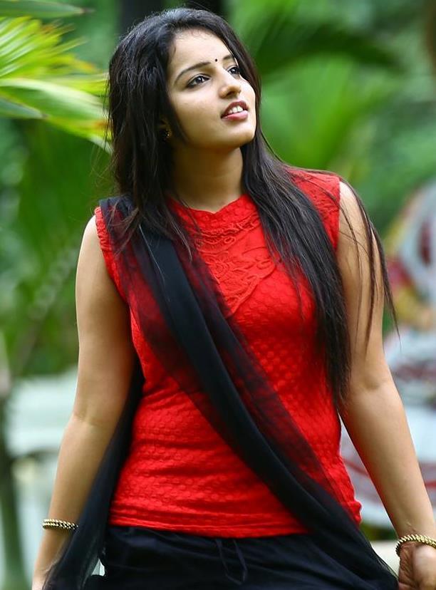 Hot Malayalam Actress Malavika Pics