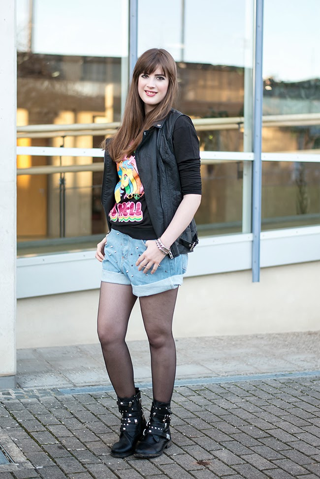 Modeblog-Deutschland-Deutsche-Mode-Mode-Influencer-Andrea-Funk-andysparkles-Berlin-Shorts-Lederweste