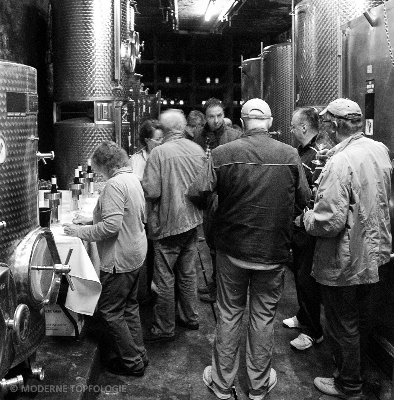 Jahrgangsprobe im Keller des Weingutes Jakob Schneider in Niederhausen an der Nahe