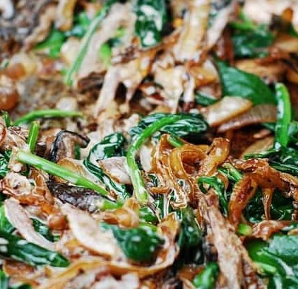 SAUTÉED SPINACH, MUSHROOMS, AND CARAMELIZED ONIONS #vegetarian #maindish