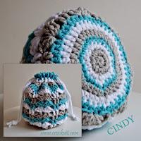 free crochet patterns, how to crochet, round bag, drawstring, cosmetic bag, toiletries,