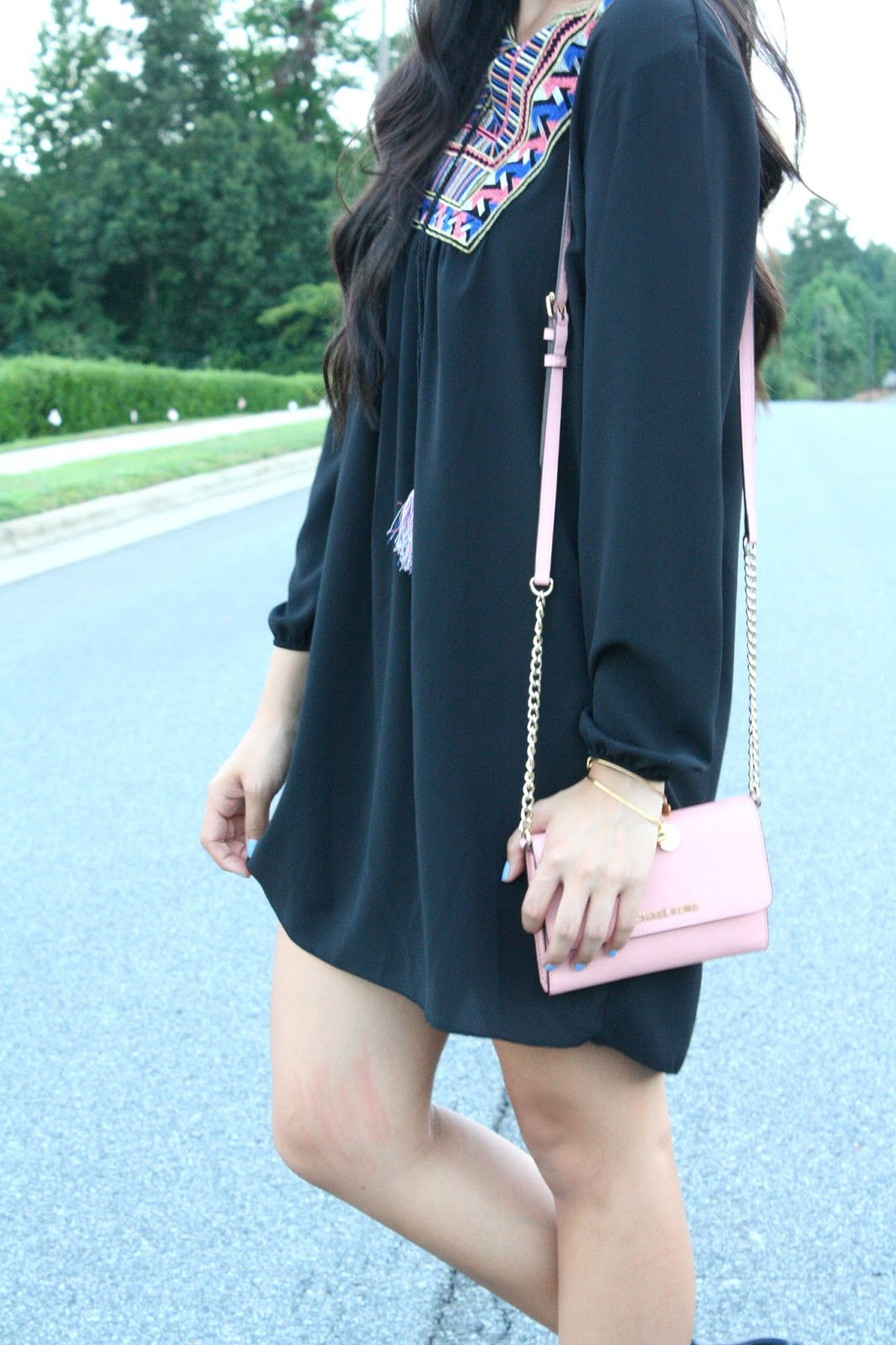 Black_long_sleeved_dress