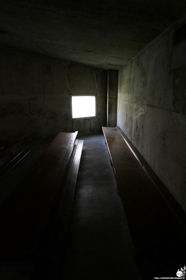 Nevers - Eglise Sainte-Bernadette du Banlay, Part. 2<br /> Architectes: Claude Parent, Paul Virilio (Architecture Principe)<br /> Avec Odette Ducarre (maquette des vitraux), Morice Lipsi (Mobilier) Construction: 1963 - 1966