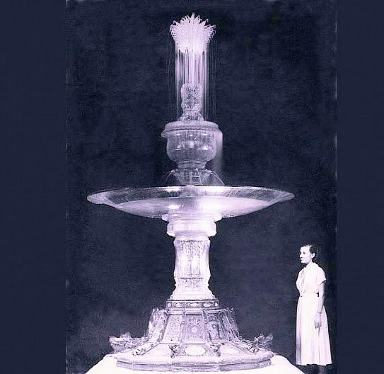 Хрустальный фонтан – шедевр стеклянного зодчества мастеров из Константиновки