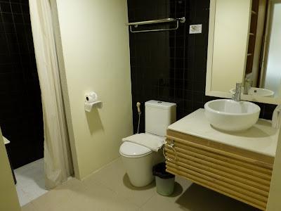 Baño hotel Mandawee Resort, Krabi, Tailandia, La vuelta al mundo de Asun y Ricardo, vuelta al mundo, round the world, mundoporlibre.com