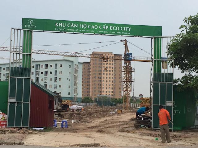 Cổng vào dự án Eco City Việt Hưng