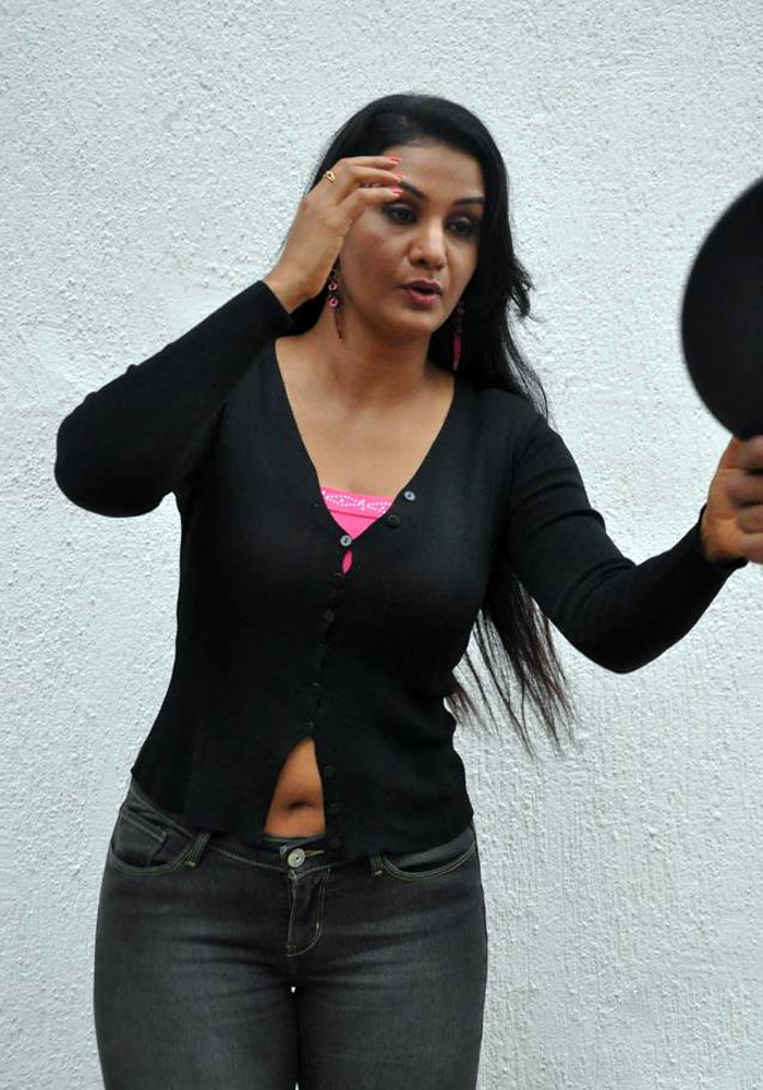 Hot Sexy Film Tamil