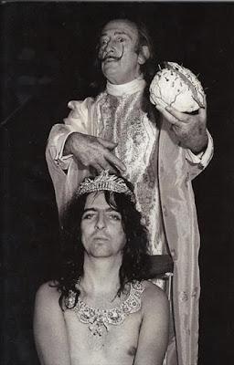 Salvador Dalí y Alice Cooper