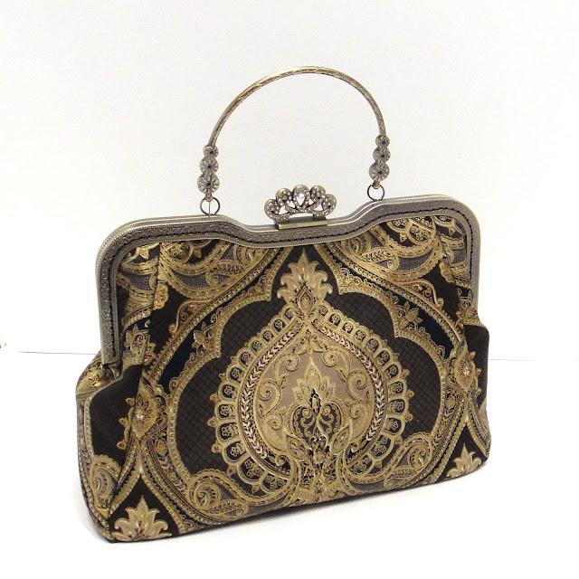 """Вечерняя сумка: черная сумочка с фермуаром """"корона"""", золотой орнамент. Ручная работа. Доставка почтой или курьером"""