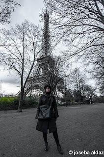 Yo al lado de la torre Eiffel