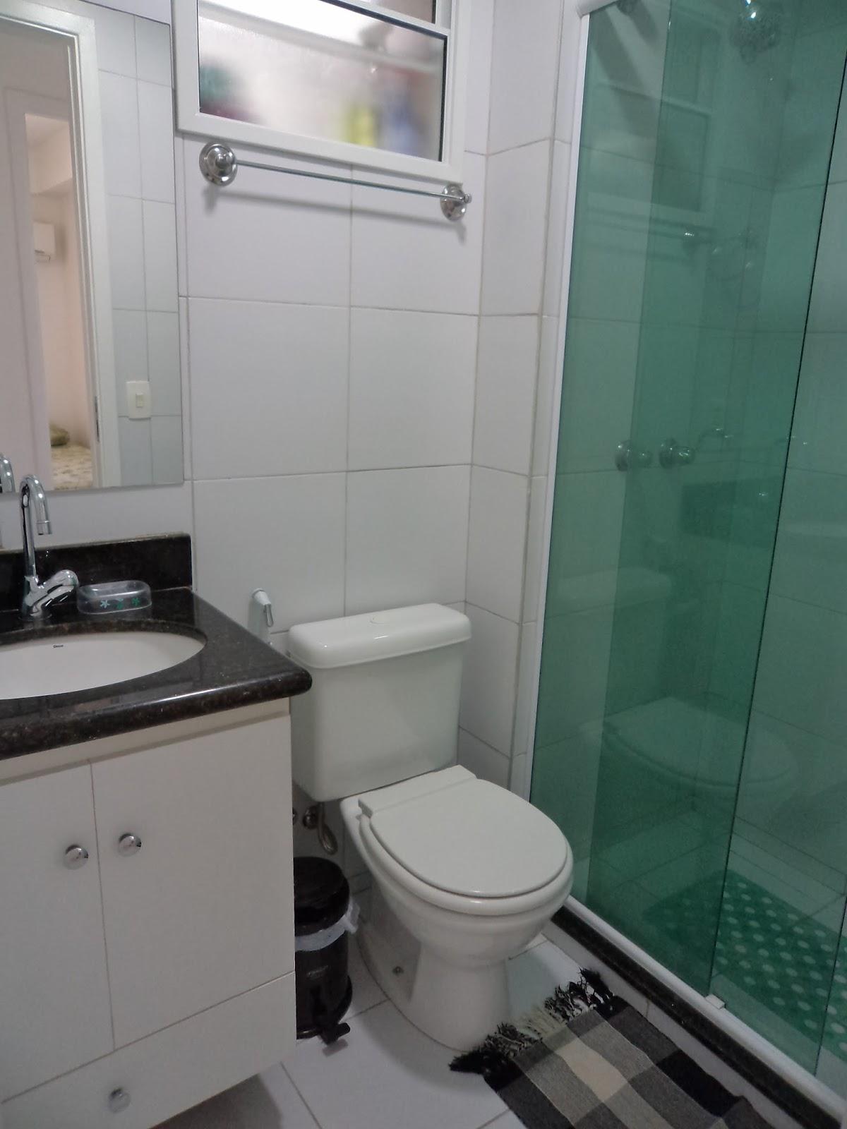 Aluguel por temporada em Fortaleza: APARTAMENTO NA PRAIA DO FUTURO  #375B4E 1200x1600 Banheiro Container Fortaleza