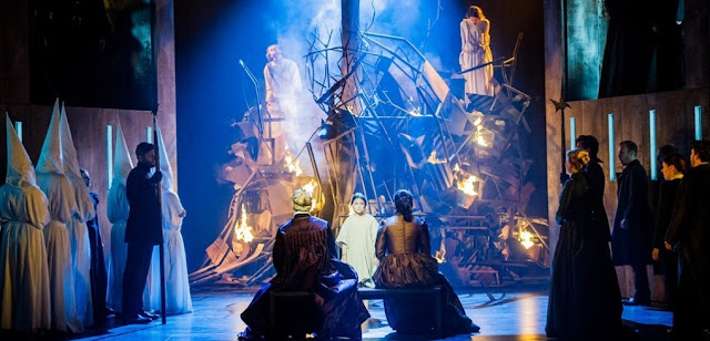Auto da fe scene - Verdi Don Carlo - Grange Park Opera - photo Robert Workman