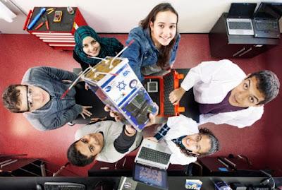 Un nanosatélite construido por estudiantes de secundaria israelíes fue lanzado a la Estación Espacial Internacional a mediados de abril. Conocido como Duchifat-2, fue uno de 28 satélites construidos por estudiantes y enviado al espacio para ser liberado desde la estación espacial en unas seis semanas. Su nombre se semeja el del ave nacional de Israel, duchifat.