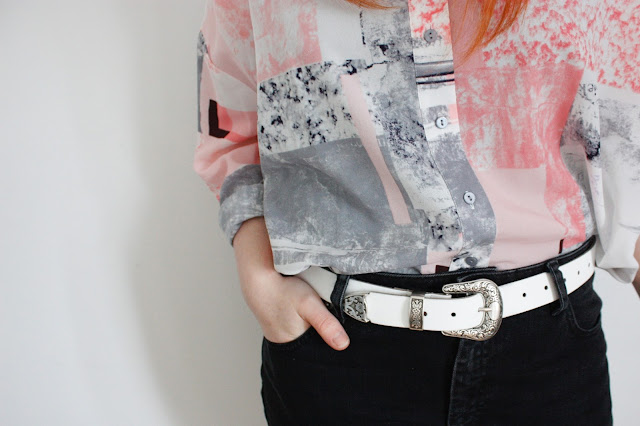 outfit of the day from asos, oversized contemporary print shirt, western style belt and mom jeans