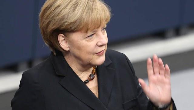 Handelsblatt: Να προβληματιστεί η καγκελάριος για την πολιτική της λιτότητας