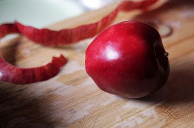 manfaat kulit apel untuk kesehatan kulit