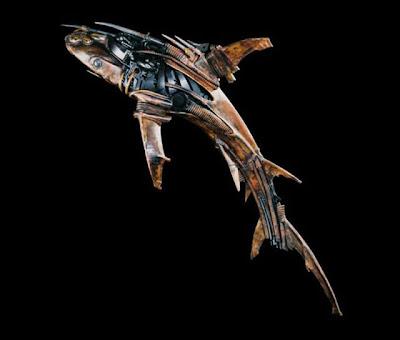 Escultura Steampunk de tiburón