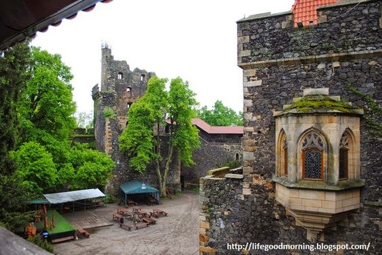 Zamek Grodziec - bajeczna warownia na wulkanie.