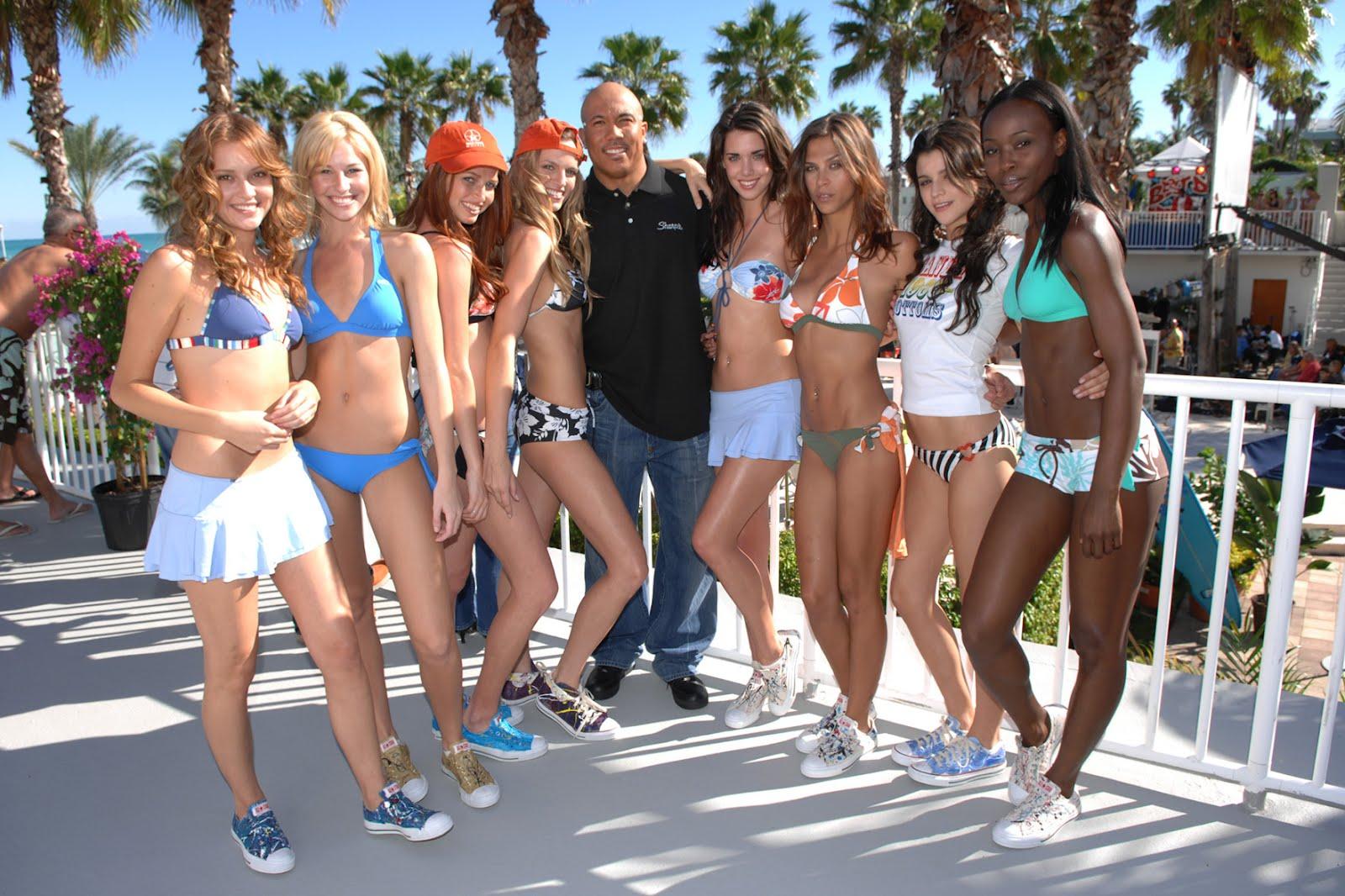 Mexico beach girls