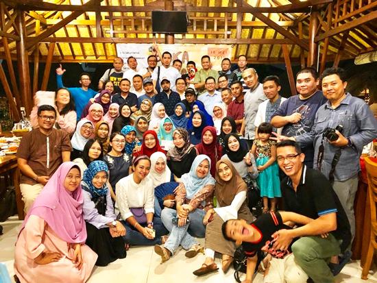 Buka Puasa Bersama Komunitas SMANSASI' 97 Hadirkan Adrian Maulana