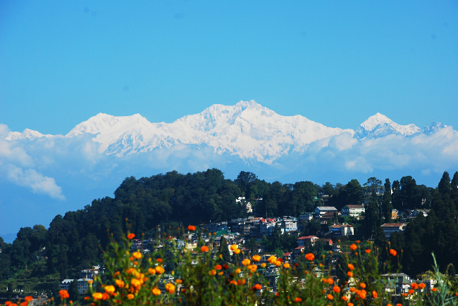 A Complete Travel Guide to Darjeeling