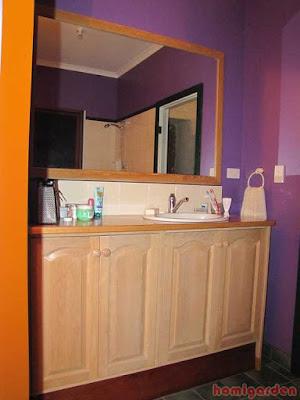 Bathroom vanity cabinets for small bathrooms