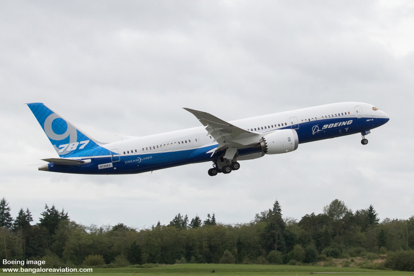 Boeing 787-9 Dreamliner successfully completes first ...