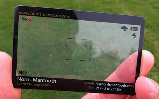 Danh thiếp của nhiếp ảnh gia chuyên chụp sự kiện, đây cũng là công cụ tìm view đẹp cho ảnh