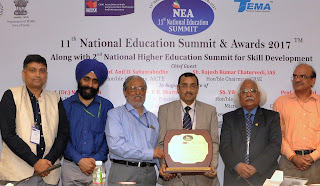 EDII bags the Excellent Institute for Entrepreneurship Development in India award during the 11th National Education Summit 2017