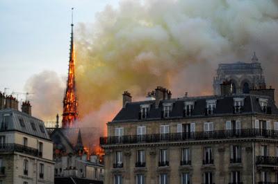 «ПСЖ»: выражаем благодарность тем, кто сражается с огнём в Нотр-Дам де Пари