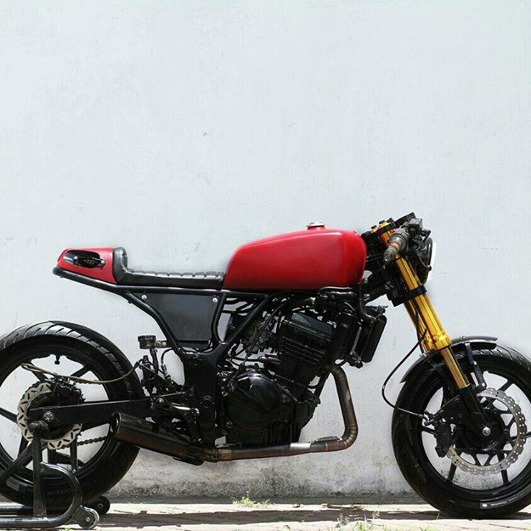 kadhut-caferacer-kawasaki-ninja250cc | artnarchy custom garage