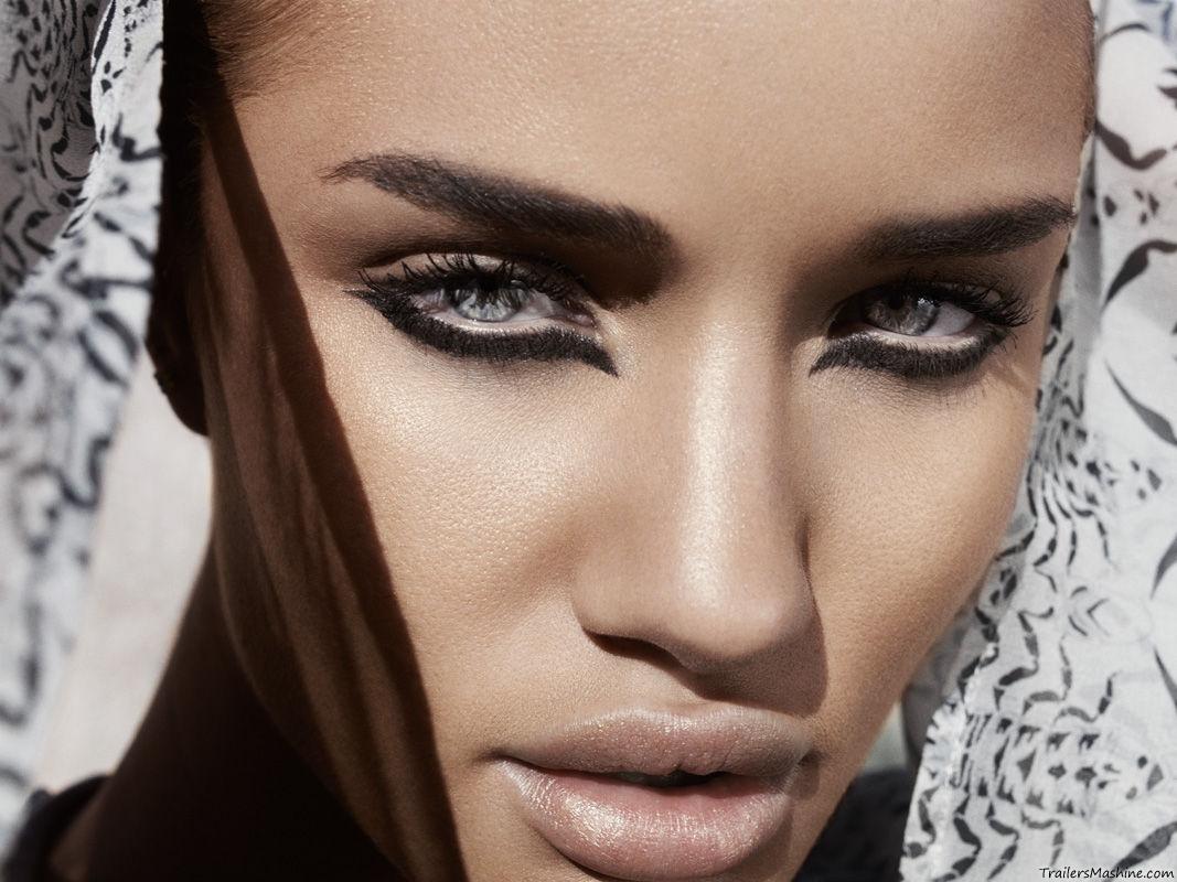 Топ 100 самых сексуальных женщин в мире 2011