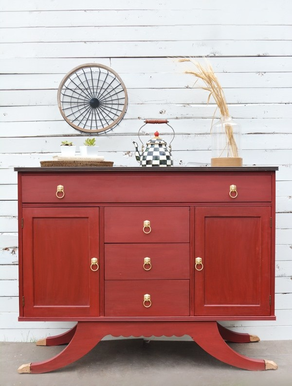 painted buffet, red buffet, 4th of july buffet, fourth of july buffet, how to paint furniture